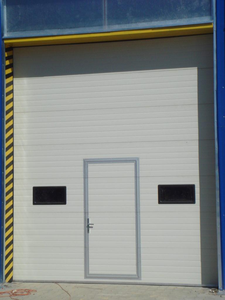 Brama segmentowa ABB004